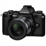 Цифровой фотоаппарат OLYMPUS E-M5 mark II 14-150 II Kit + HLD-8 + BLN-1 black/black (V207043BE010)