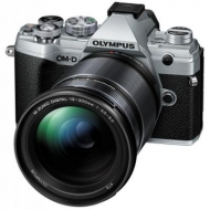 Цифровой фотоаппарат OLYMPUS E-M5 mark III 12-200 Kit silver/black (V207090SE010)